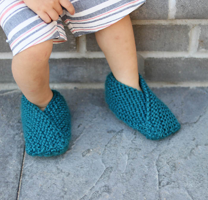 Easiest Toddler Slippers Knitting Pattern- now with extended sizes! - Gina Mi...