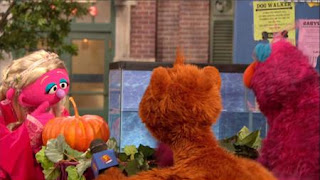 Telly, Baby Bear. Cinderella is testing whether or not a pumpkin will float or sink in her tank. Sesame Street Episode 4320 Fairy Tale Science Fair season 43