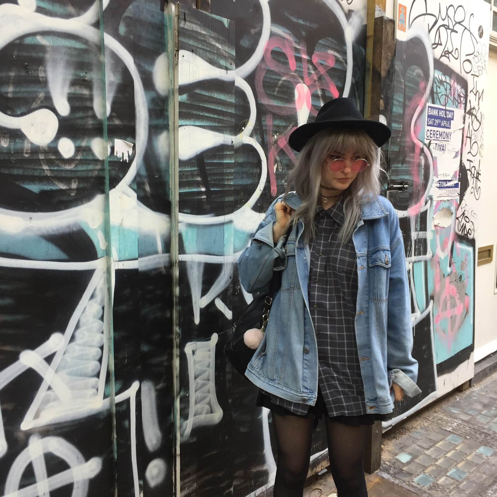 Denim and oversized vintage shirt