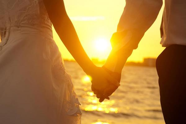See 10 Best Tips For Newlyweds