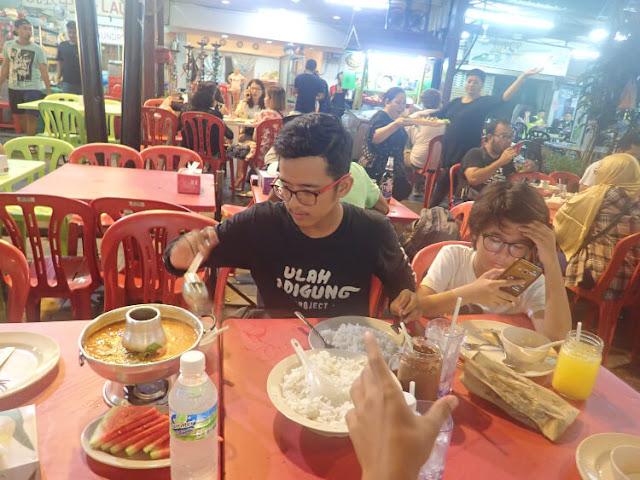 makanan thailand di jalan alor
