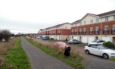 The riverside walk from Brigg via Castlethorpe Bridge passes the Waters Edge Housing Estate - January 2019 picture