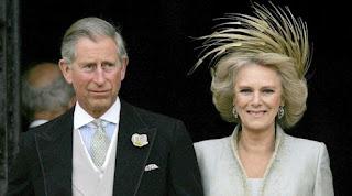 Pangeran Charles dan Camilla. Putri Diana biasanya tidak peduli dengan segala omongan tentangnya, tapi lain ceritanya kalau omongan itu berkaitan dengan putra-putranya. (Sumber Alamy) updetails.com