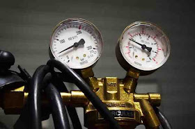 give reason a gas exerts pressure on the walls of the container