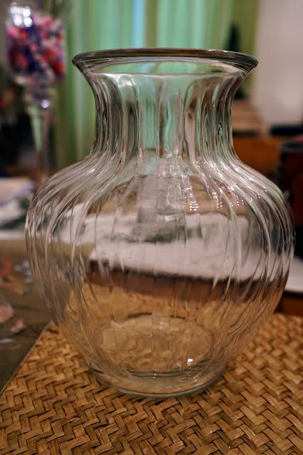 Vase for decoupage