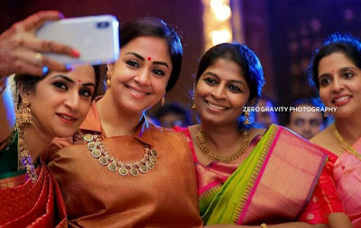 Jothika-Exclusive-Cute-Images-With-Friends