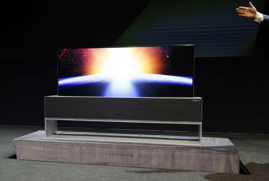 LG presenta el primer televisor enrollable del mundo