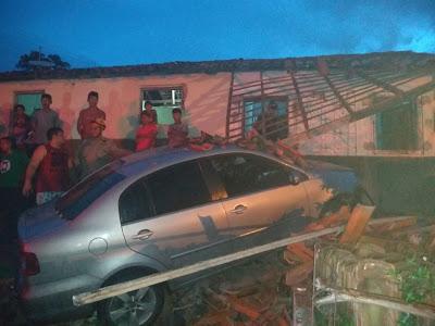Motorista colide contra residência no bairro novo em Chapadinha