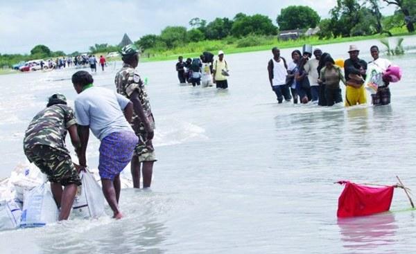 Massive Flooding Peru & Namibia  00170580-30a24acebd664f1ffeafe442bb8bba7d-arc614x376-w1200