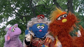 Murray and Ovejita present the letter of day letter Q. Sesame Street Episode 4320 Fairy Tale Science Fair season 43