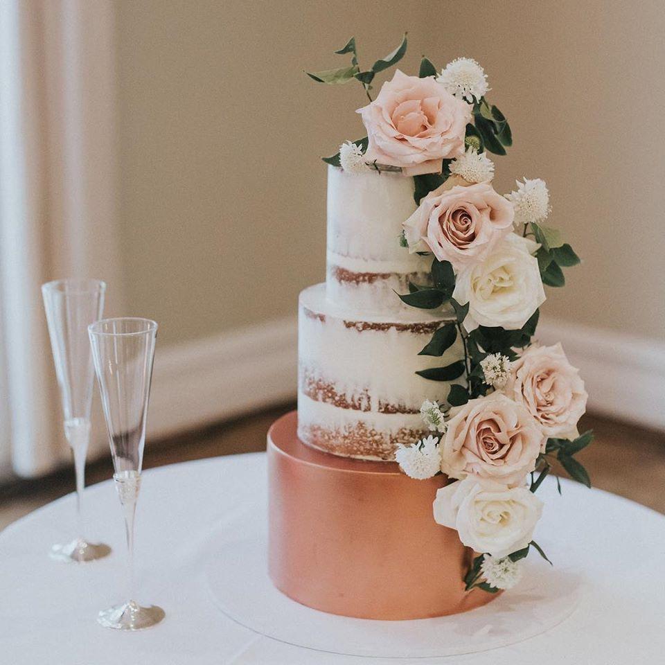 southern highlands macarthur nsw wedding cake designer wedding cakes floral