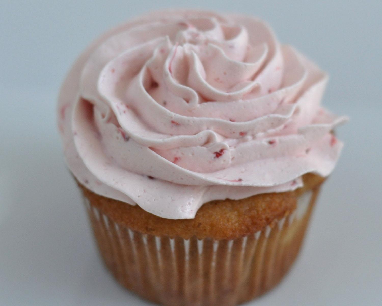 Beki Cook's Cake Blog: Amazingly Good Strawberry Icing ...