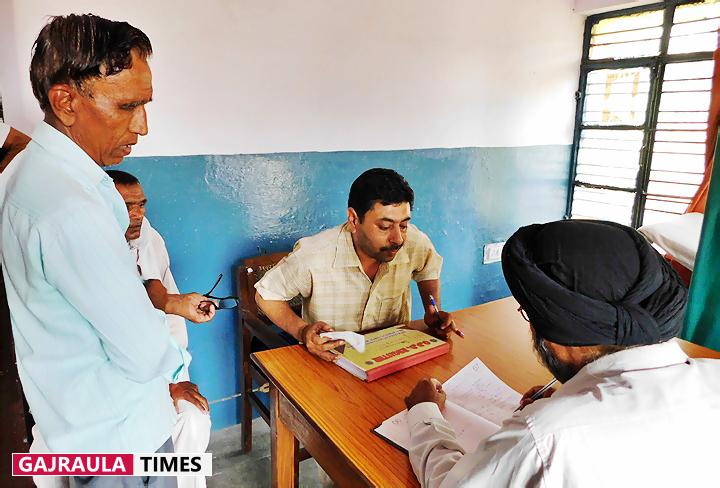 salempur-gusain-hospital-doctors