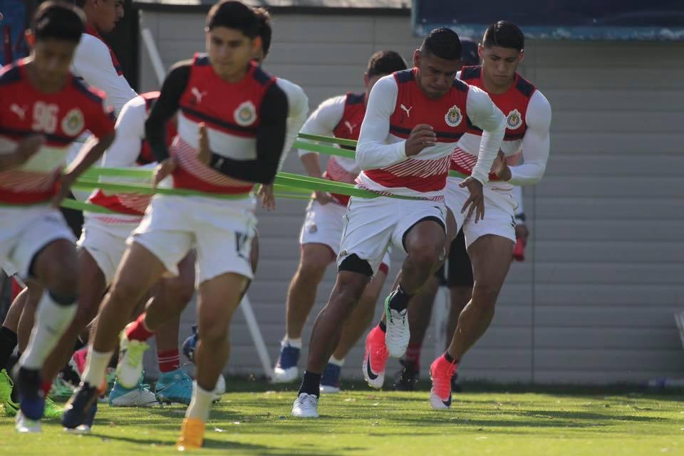 Almeyda afinó los últimos detalles previo al cotejo del domingo ante Toluca.