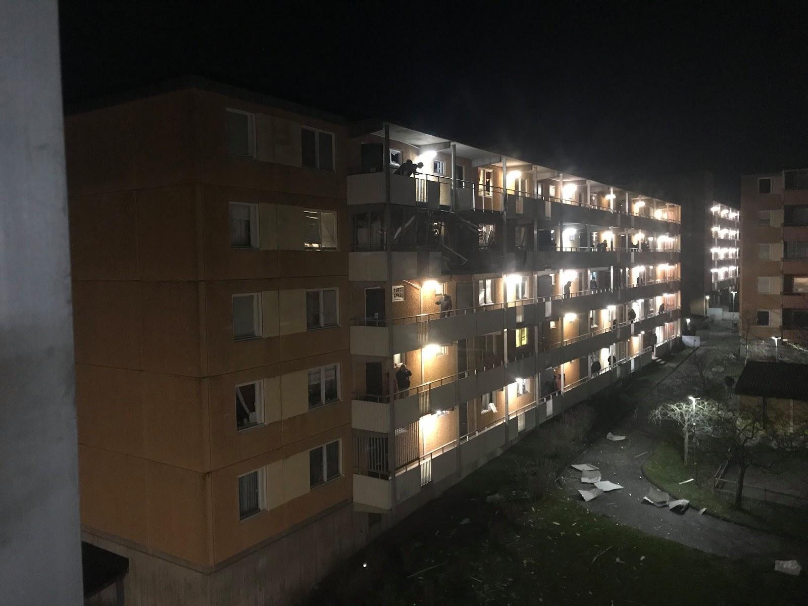 Daudzstāvu ēka pēc sprādziena