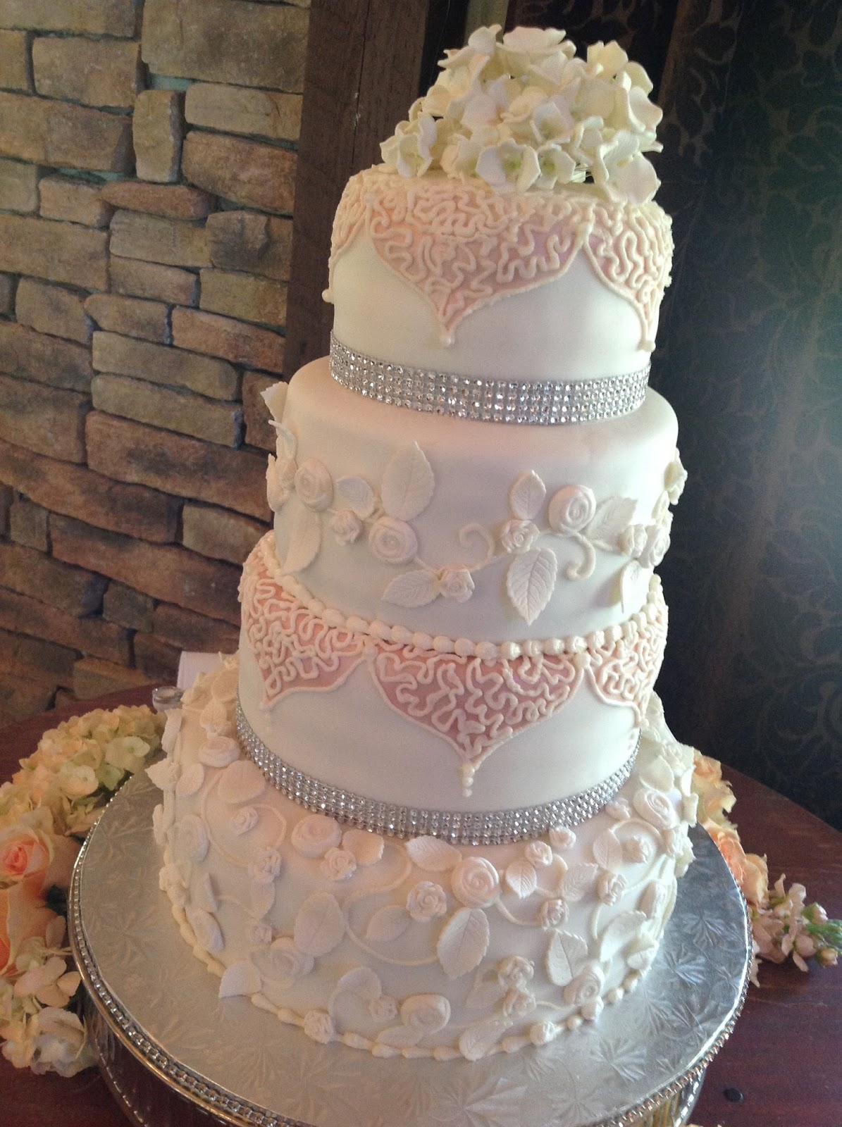 Plumeria Cake Studio Romantic Roses Wedding Cake