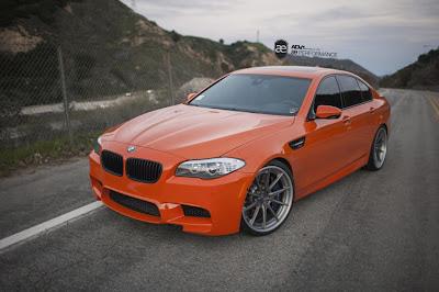 BMW M5 F10 в цвете Valencia Orange