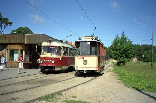 1990 год. Ретро трамвай на конечной станции