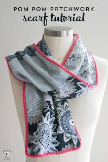sciarpa con piccoli pompon