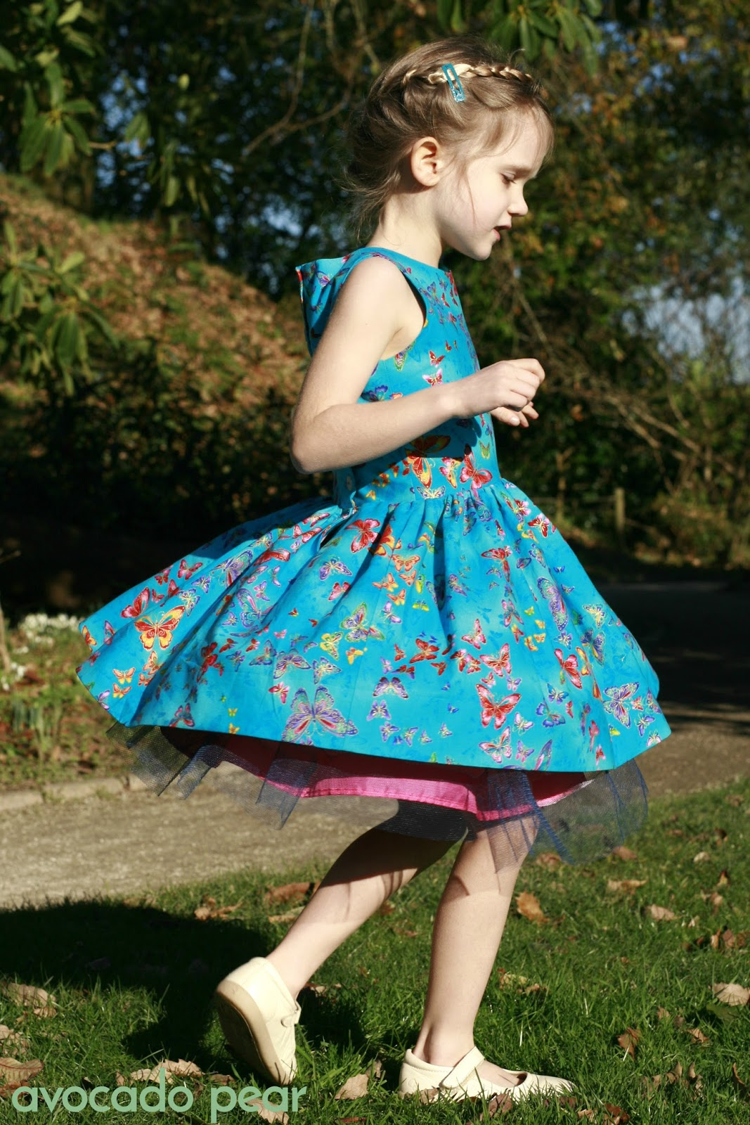 girls dress twirling