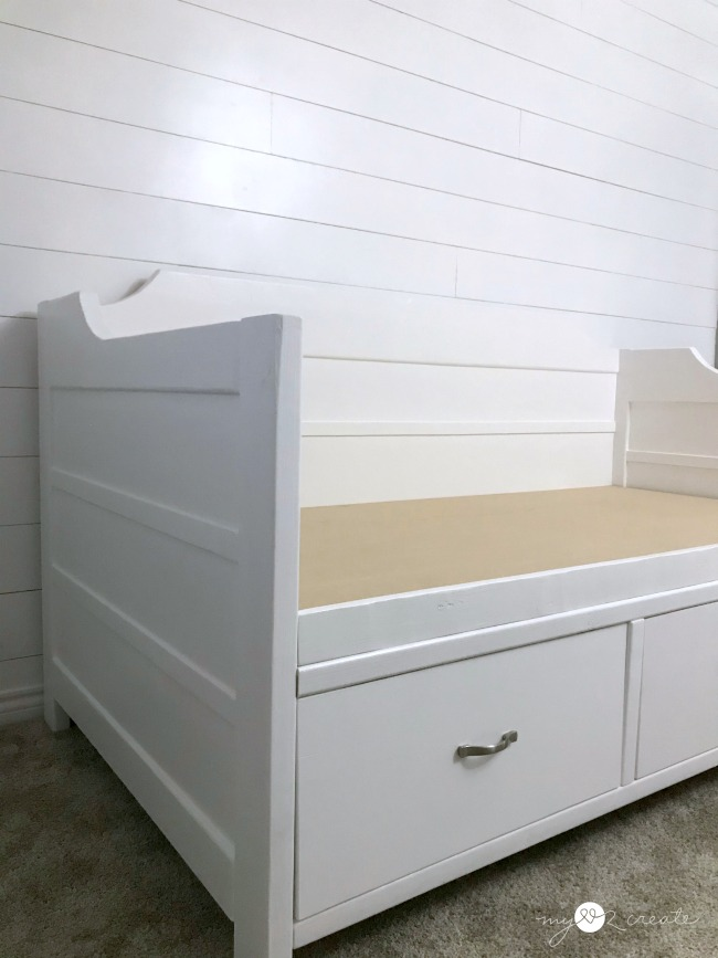 how to make a diy daybed