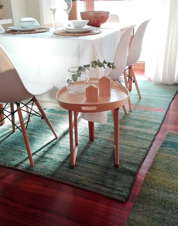 IKEAHACKERS bandeja convertida en mesa ayudaadecorar.blogspot.com.es/