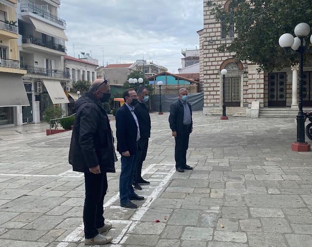 Ο ΣΥΡΙΖΑ Άρτας τίμησε την εξέγερση του Πολυτεχνείου, καταθέτοντας λουλούδια στο μνημείο Εθνικής Αντίστασης στην κεντρική πλατεία