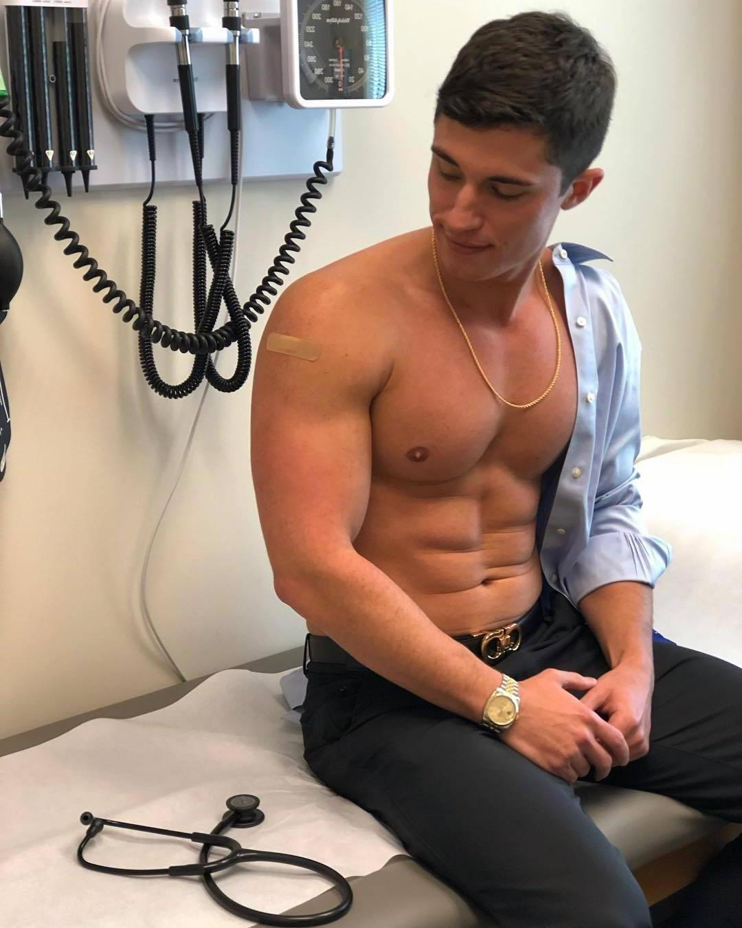 shirtless-hot-guy-doctors-office-cute-beefy-sexy-patient-hunk