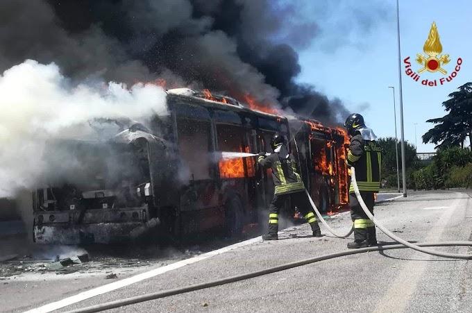 Che domenica sarebbe senza un Atac in fiamme?