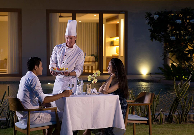Dịch vụ Le Chef in - villa dining