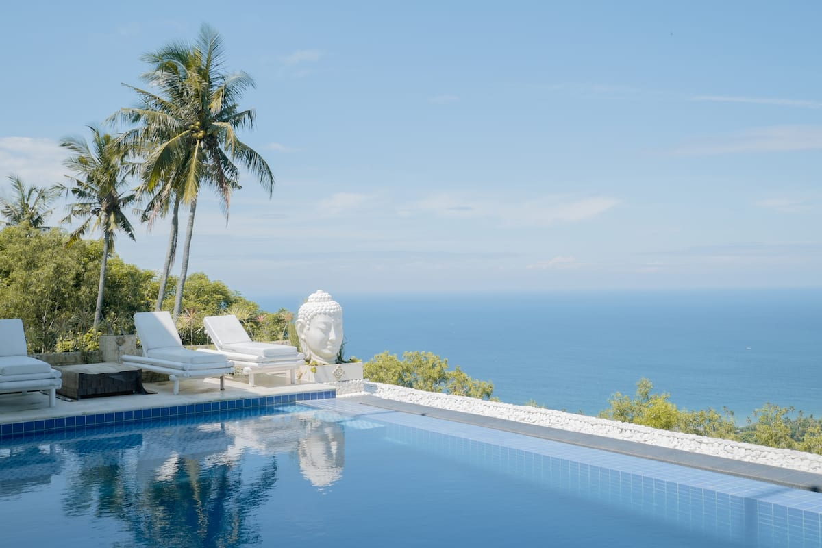 penginapan ada infinity pool di lombok