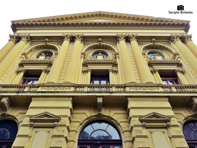 Perspectiva inferior da fachada posterior do Museu do Ipiranga - São Paulo