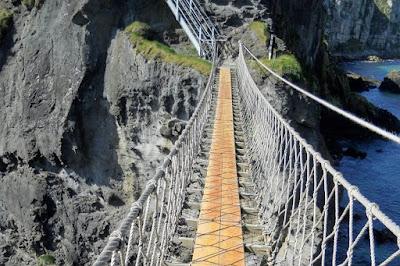 Antrim Coast: Carrick-a-Rede Rope Bridge