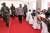 Panglima TNI Bersama Kapolri Tinjau Langsung Vaksinasi di 41 Ponpes se-Jawa Timur