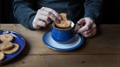 الأضرار الناتجة عن تناول البسكويت بالشاي التى لا تعرفها