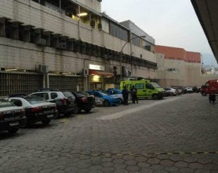 Marginais invadem Hospital Souza Aguiar, no Centro do Rio de Janeiro, matam militar e resgatam irmão de traficante