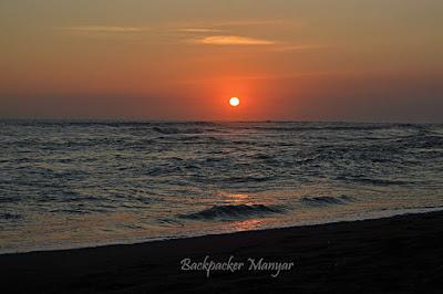 Menikmati ketenangan Pantai Munggu - Backpacker Manyar