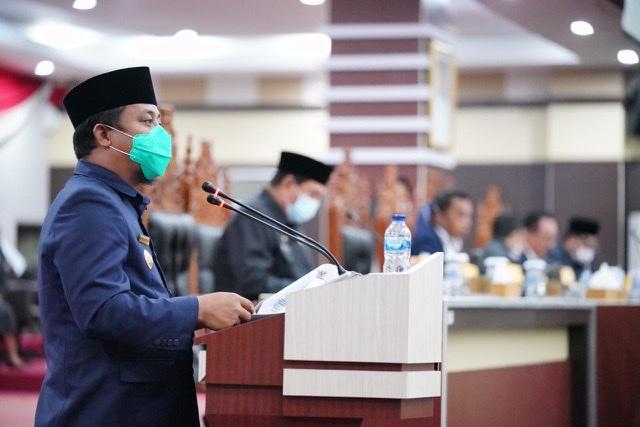 Andi Sudirman Sulaiman Ikuti Rapat Paripurna Penetapan Ranperda Perubahan APBD 2020 Sulsel.lelemuku.com.jpg