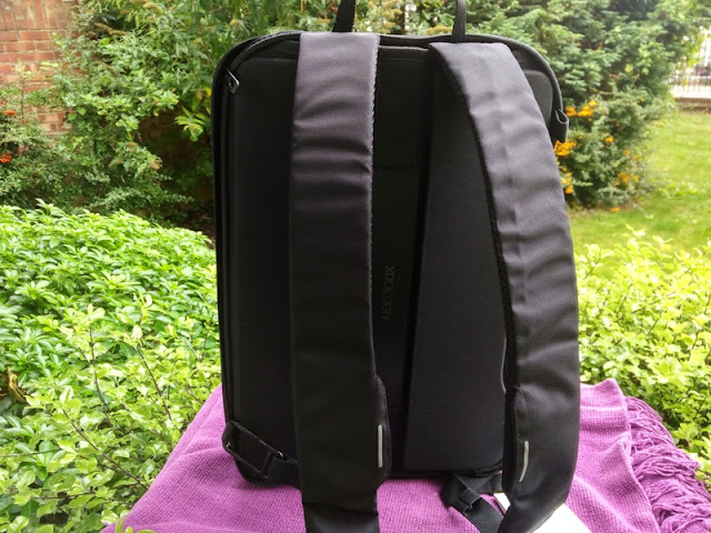ab54acc96f1 The 10-litre Bobby Bizz backpack by XD Design features the anti-theft  features of the original Bobby Backpack so you get hidden zippers that make  it ...