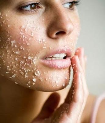 Esfoliar a pele com óleo de coco