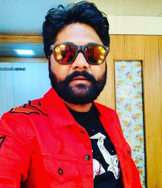 Samar Singh Bhojpuri Singer Wiki : Age,Wife, Village,Bio Data and More