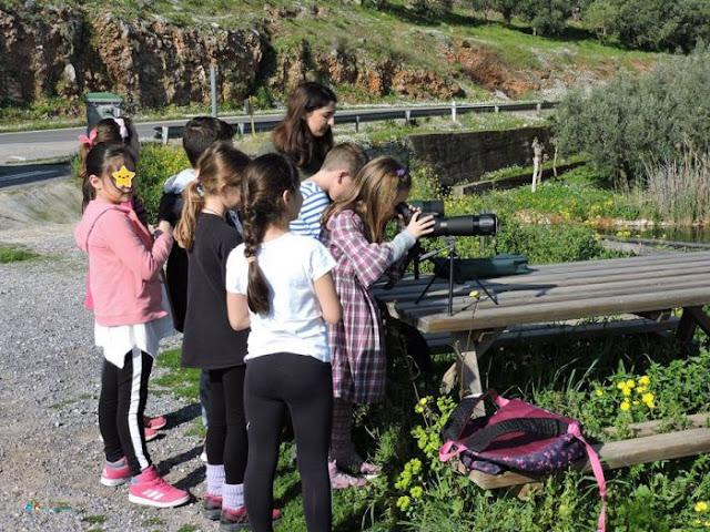 Μαθητές από το 4ο Δημοτικό Σχολείο Ναυπλίου  στη λιμνοθάλασσα Μουστού
