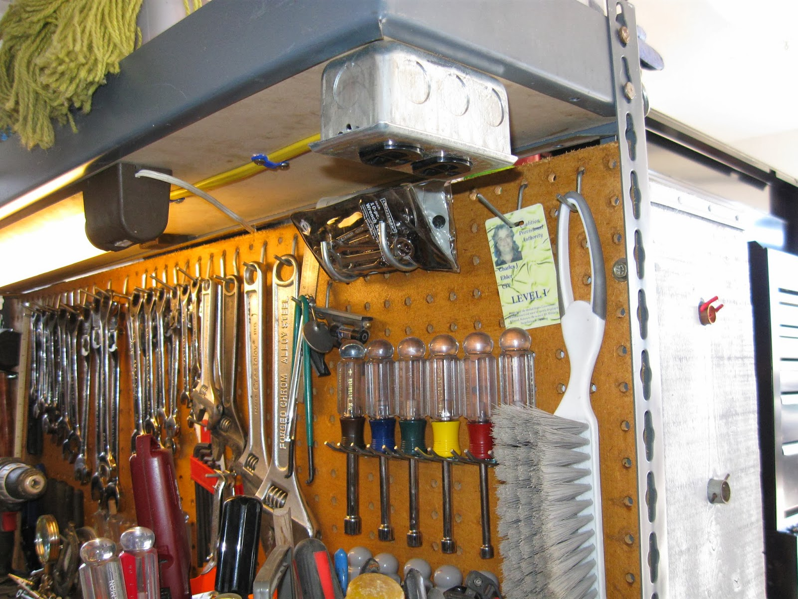 Easy Cheesy Garge Wiring Outlets To The Workbench Overhead Electrical For Outlet