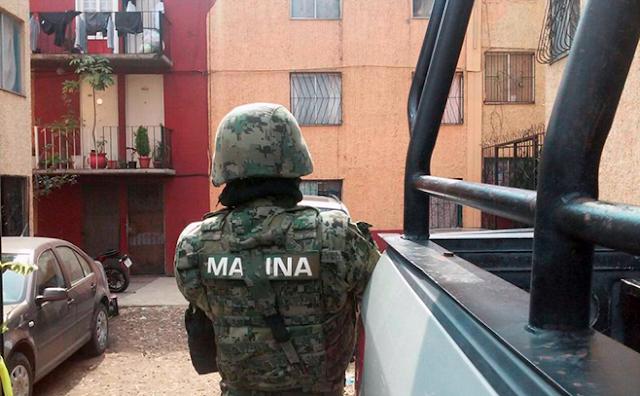Los MARINOS ESCOLTANDO a CAPO y la GUARDIA NACIONAL se queda  PASMADA