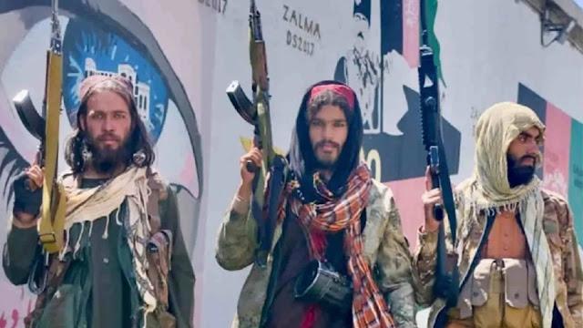 Talibã vai executar cristãos de porta em porta, alerta relatório de organização cristã