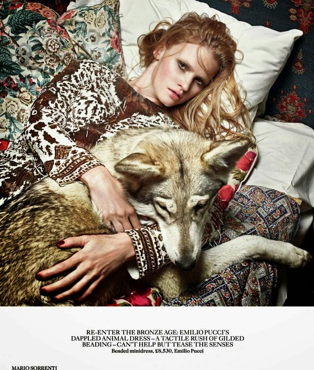 Lara Stone wolves Vogue