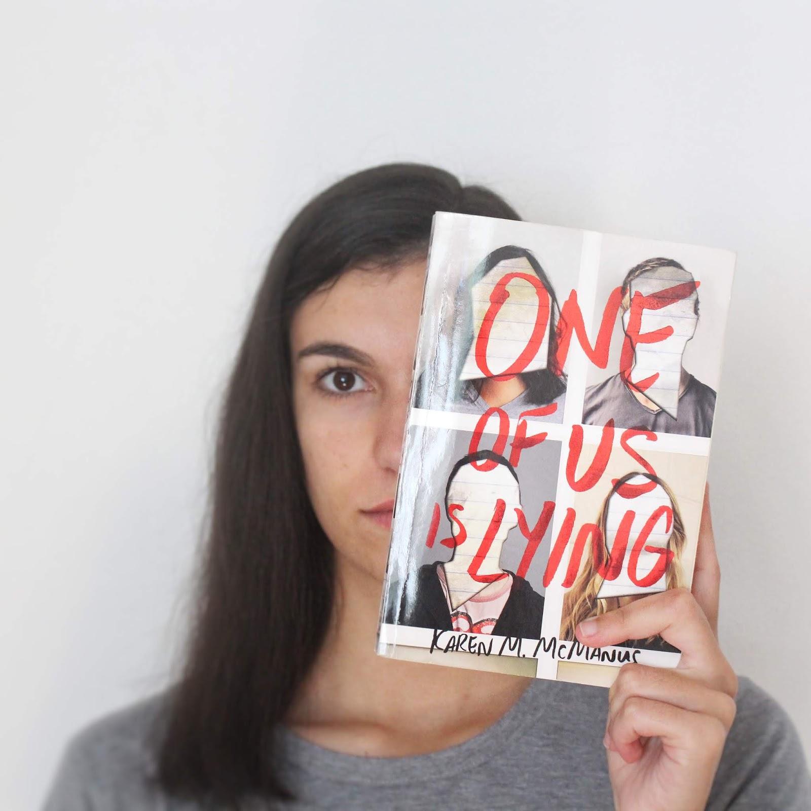 Livro de Suspense e Mistério adolescente: «Um de Nós Mente»
