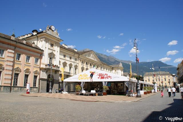 Piazza Emile Chanoux nel centro della città