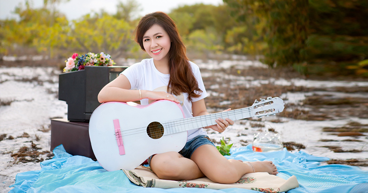 Tư vấn mua đàn guitar yamaha