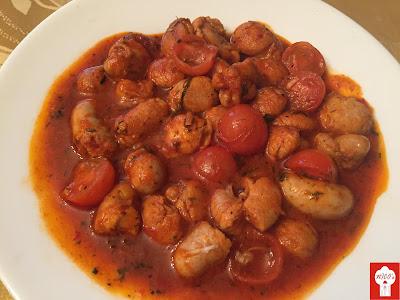 Articole culinare : Fudulii de curcan cu sos tomat dulce-iute